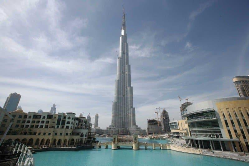 google-street-view-scala-il-burj-khalifa-il-pi-alto-skyline-al-mondo-Dubai_Burj_Khalifa_Google_Street_View