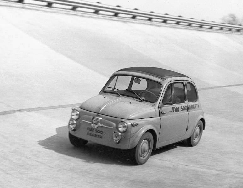 Fiat 500 Abarth sulla pista di Monza