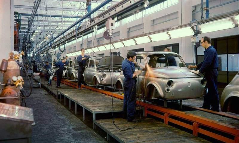 Storia della Fiat 500 - fabbrica