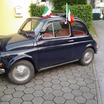La Fiat 500 di Gianni ed Eva