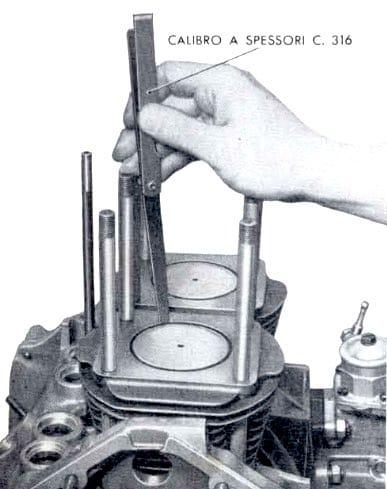 Controllo giuoco tra stantuffo e canna cilindro