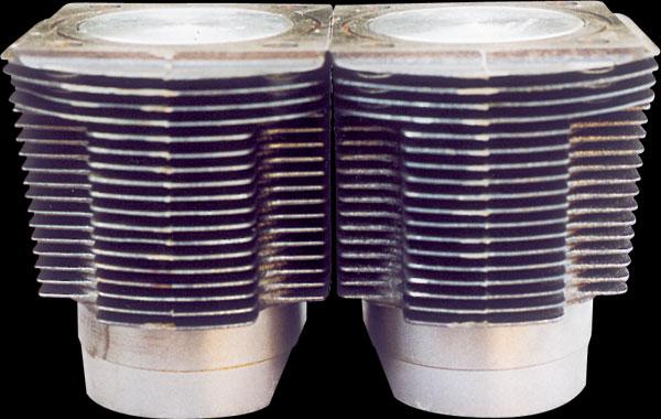 Revisione del motore della Fiat 500 d'epoca: pistoni e anelli elastici