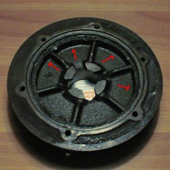 Pulizia del filtro dell'olio centrifugo della Fiat 500 d'epoca