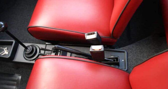 Cinture di sicurezza per la nostra Fiat 500 d'epoca.