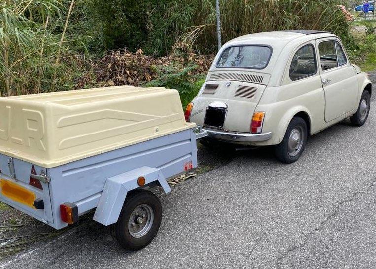 Fiat 500 di Matteo con rimorchio