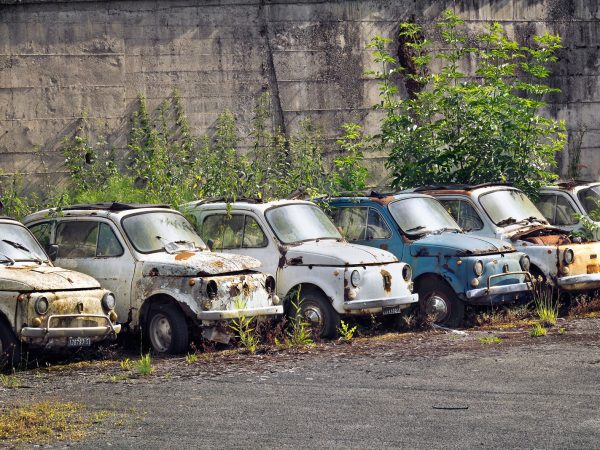 Fiat 500 d'epoca abbandonate